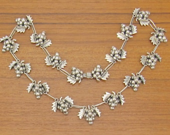 Vintage Sterling Grapes Necklace cluster hand made silver chain jewelry 925 Iguala Hecho en Mexico signed EML
