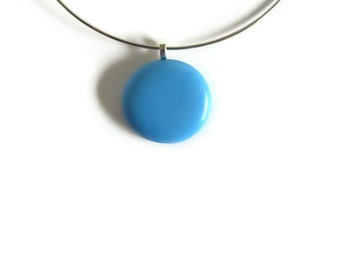 Round Pendant Sky Blue Glass Gem with Neck Wire Necklace