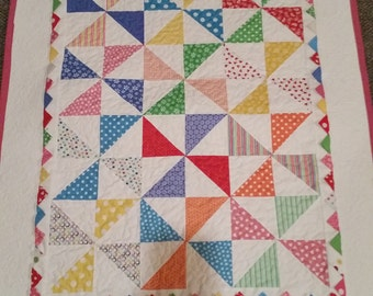 Windham Basic Bright Pinwheel Baby Quilt