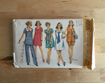 """Vintage 1970's maternity pattern, dress, top, pants and shorts with a variety of collars and sleeves Simplicity 8855 Size 14 Bust 36"""""""