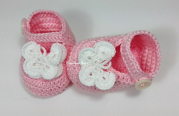 Crochet Baby Butterfly Shoes /Booties / Slippers/ PDF PATTERN