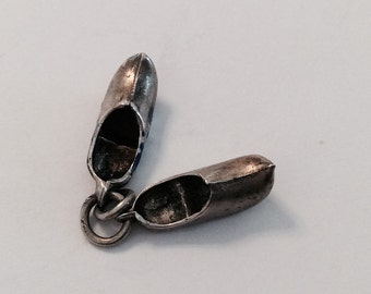 Wooden shoes Dutch holland vintage sterling silver charm #443