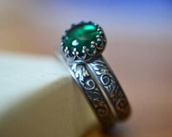 Engraved Renaissance Emerald Wedding Set, Custom Oxidized Silver Engagement Ring, Lab Emerald Jewelry, Green Gemstone Bridal Set