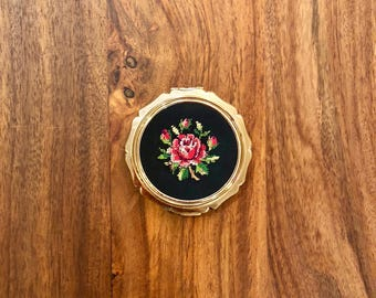 1950's Stratton gold tone needlepoint rose compact mirror case