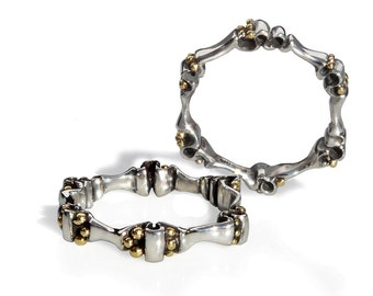 """Ring in mixed metals. Silver """"Crinkly Band"""" with tiny Gold beads at 6 intervals, by Pamela Dickinson. Hallmarked in London. Collectible gift"""