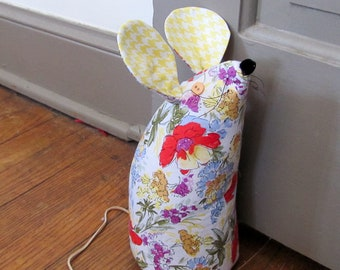 Doorstop / Book End / Home Decor - Mouse - Spring Flowers