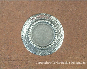 Brass Beaded Circle Bezel in Antiqued Silver Plate (item 6632 AS) - 6 Pieces
