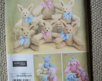 Simplicity 3779 Two Pattern Piece Animals in 2 sizes