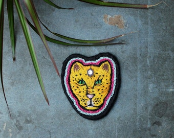 AGWU - hand embroidered leopard patch