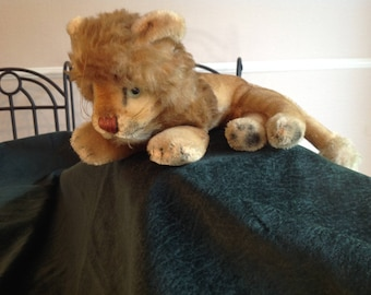 Antique mohair lion