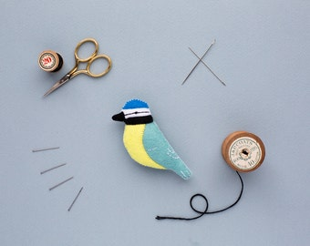 Felt blue tit brooch - handmade bird jewellery - gift for mum
