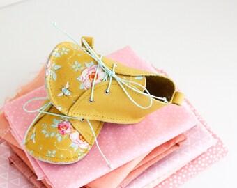 MAYLIN zapatitos de bebé de estilo moderno, en piel natural y tela de algodón