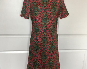 Vintage 1960s Mod Paisley Dress Red Green Print Short Sleeve Collar Lined Size Small