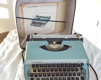 Typewriter blue vintage RARE I.M.C 'Presentation' with original packing 1960s // Vintage decoration // Desk accessories // Father's Day gift