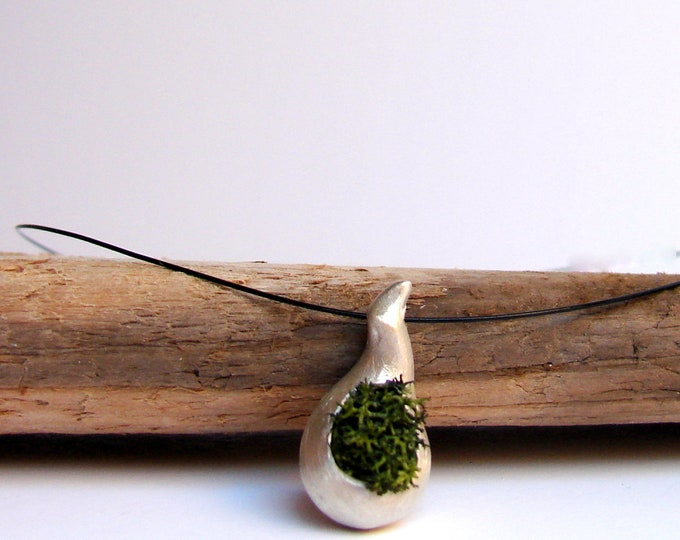 Green Moss Necklace, Botanical Jewelry, Rustic Woodland Wedding, Nature Jewelry