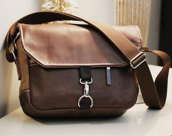 SALE 20% off - Leather Shoulder bag - Padded Camera bag handmade by Alex M Lynch - 010084