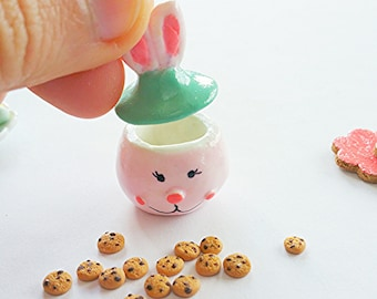 Dollhouse miniature Easter cookie jar / Scale one inch Easter cookies and jar  / dollhouse miniature easter scale 1 12 biscuit
