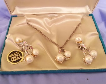 Vintage  Aurora Borealis Pink Rhinestone & Faux Pearl Necklace Earrings in box