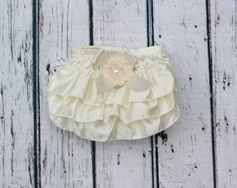 Ivory/Cream Satin baby bloomers- diaper cover- Baby panties- Ruffled panties- Baptism panties- Baptism 1st Birthday- Holiday