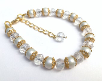 White Pearl Bridal Bracelet, Bridesmaid Jewelry, Pearl and Crystal, Single Strand Bracelet, White Wedding Jewelry, Gift For Bridesmaids