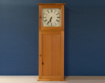 Shaker Style Wall Clock In Antique Pine