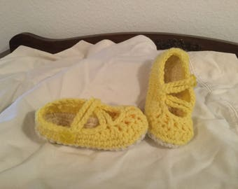 Crochet Baby Mary Jane Shoes with Button