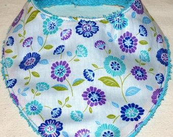 """""""flowers"""" pattern bandana bib"""