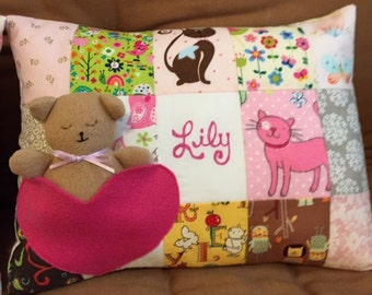 Pillow Pattern - Patchwork with Teddy Bear Pocket