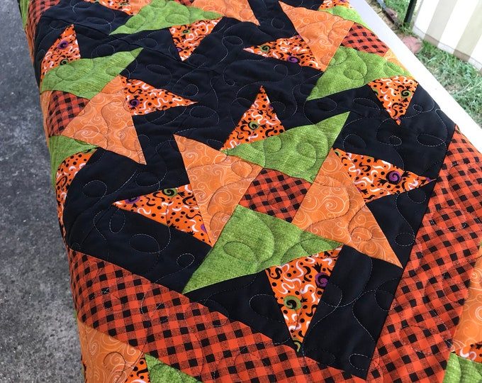 Quilted Spinning Stars Table Topper/Wall Hanging