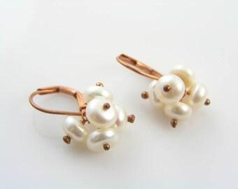 Pearl Earrings, Pearl Cluster Earrings, Pearl Jewelry, Wire Wrapped Earrings, Pearl Drop Earrings, Copper Earrings, E953