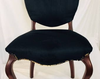 Accent Chair Cabriole, Shield back