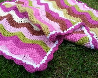 Dolls blanket, crochet blanket, gift girl, birthday girl, leukgemaakt, doll, girls, pink, green, striped, stripey, baby gift, maternity gift
