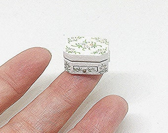 Miniature Jewelry Box / Miniature Jewelry / Dollhouse Jewelry Box / Dollhouse Miniature / Dollhouse Jewelry