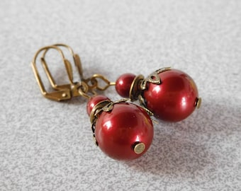 Victorian vintage retro Pearl 12 mm Burgundy Swarovski style earrings
