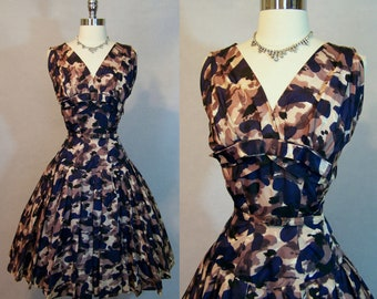 Gorgeous Vintage 50s GIGI YOUNG Silk Taffeta Fit Flare Party Dress Abstract Print XS X-Small