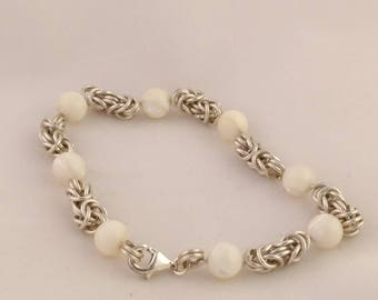 Sterling silver bracelet with mother pearl