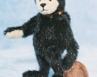 Mr Black Bear - Miniatur-Teddy-Bär-Kit - Muster - von Emily Landwirt