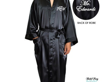 Personalized Mr. Robe, Monogrammed Groom Robe, Robe for the Groom, Wedding Day Robe, mens satin robe, embroidered grooms robe, groom gift
