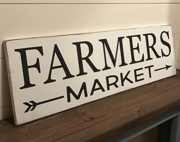 Farmers Market Rustic Sign / Kitchen Sign / Market Sign / Distressed Wood Sign / Farmhouse Decor / Rustic Hand Painted Sign / Fixer-Upper