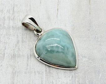 Larimar pendant handmade set in 925e sterling silver with a beautiful Larimar stone