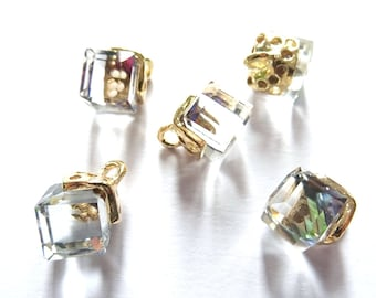 5 PENDANTS - Charms with glass CUBE Golden Nacklace - 15 mm T 13