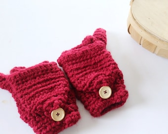 Wool convertible mittens, Fingerless gloves in Red -  The CERYS- Women's winter mittens - Crochet gloves