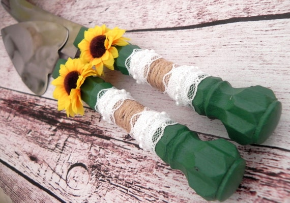 Rustic Sunflower Wedding Cake Server And Knife Set, Dark Green with Burlap and Lace, Country Wedding,  Bridal Shower Gift, Wedding Gift