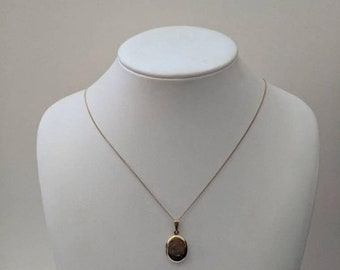 ON SALE Vintage Gold Necklace with Gold Locket