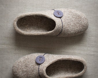 Women slippers - Comfort house shoes - Natural wool felted beige clogs with grey violet button - Gift for her