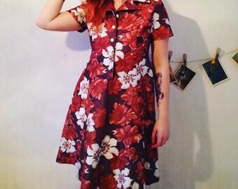 Vintage clothing. 1950s Floral dress 38/M 40/L  SIZE 70s