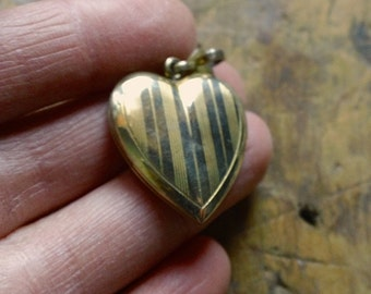 Vintage Sterling Etched HEART Locket, Engraved Gold 925 Silver Heart Charm or Pendant Locket