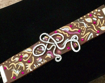 Abstract Art filled leather coiled bracelet