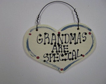 Wooden Grandmother Small Heart 1015 Grandmas Are Special