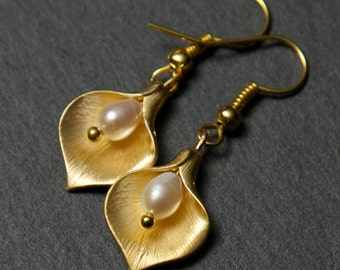 Gold Lily Earrings - with Freshwater Pearls. Calla Lily Earrings. Freshwater Pearl Earrings. Gold Pearl Earrings.